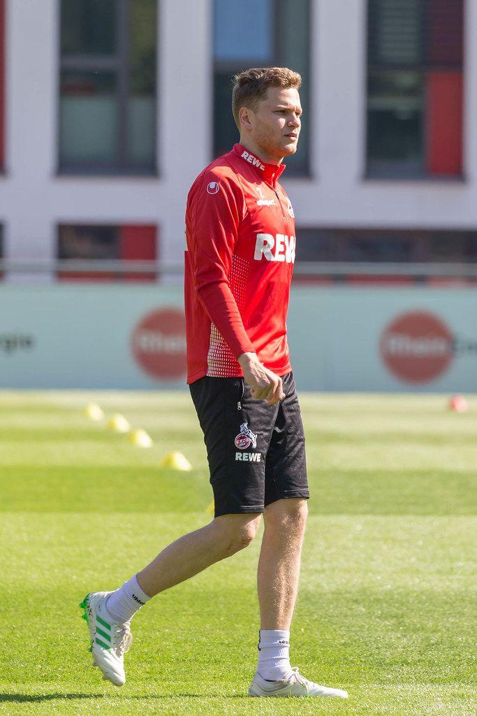 1. FC Köln Abwehrspieler Benno Schmitz beim ersten Fußballtraining mit dem neuen Trainer André Pawlak