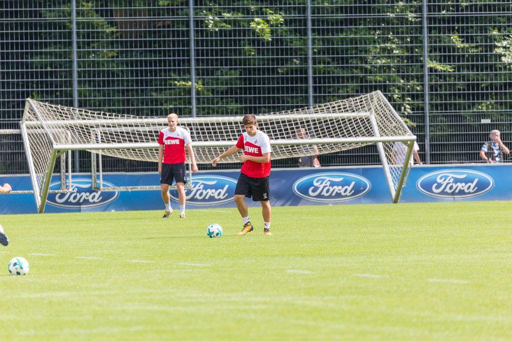 1. FC Köln Jorge Meré und Frederik Sörensen beim Training