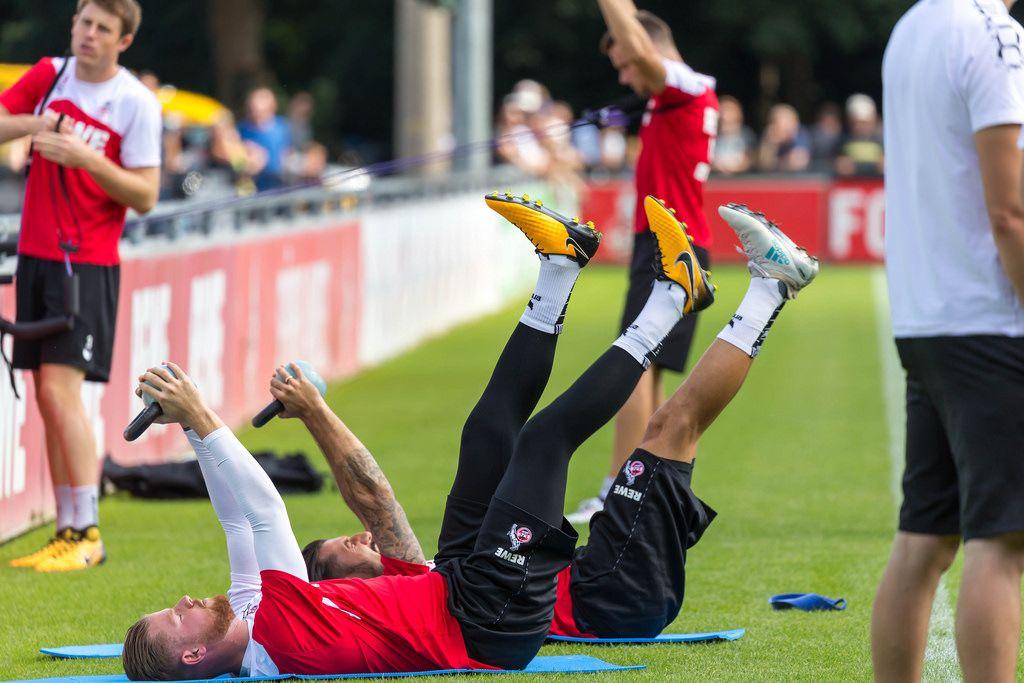 1. FC Köln Spieler beim Hantel-Training