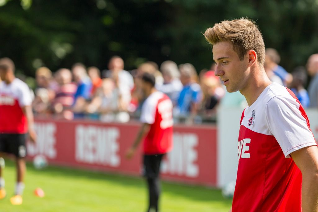 1. FC Köln Spieler Lukas Klünter beim Training