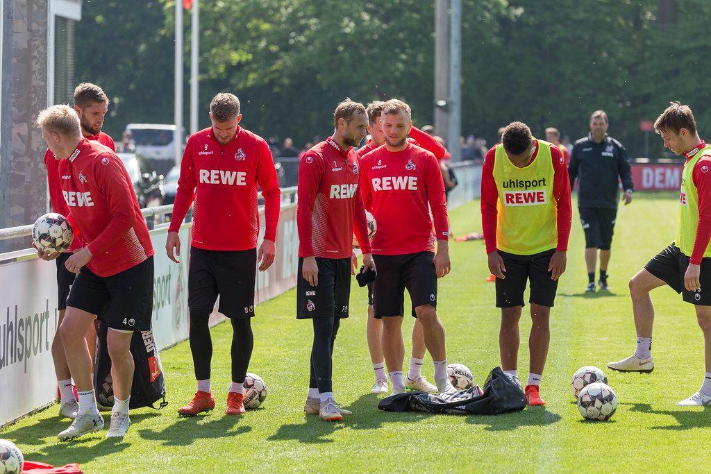 1. FC Köln Spieler Simon Terodde, Marcel Risse, Johannes Geis und Nikolas Nartey mit ihrer Mannschaft beim Training mit André Pawlak