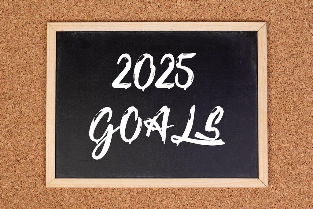2025 goals on chalkboard