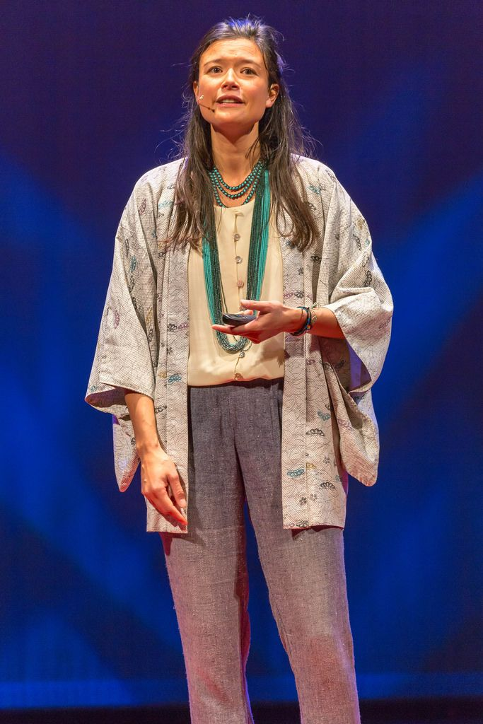 Alie de Boer auf der Bühne - TEDxVenlo 2017