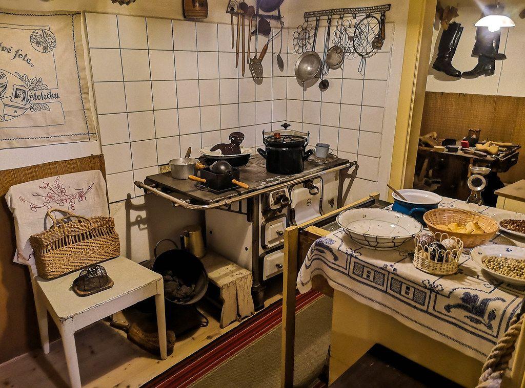 Frisch Alte Küche Bekleben