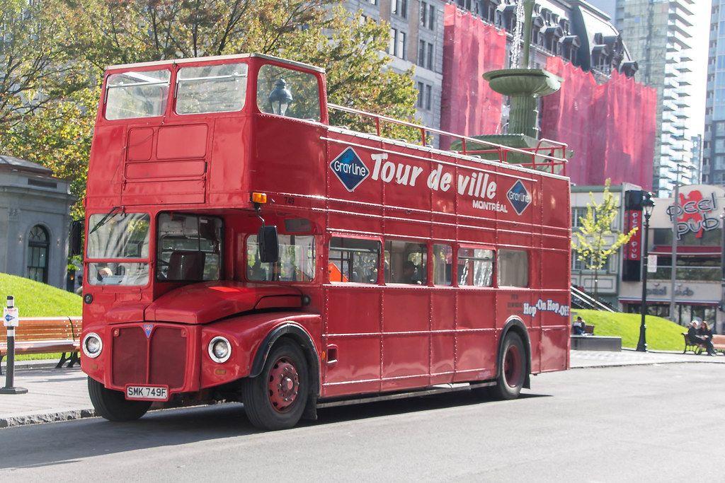 Alter Doppeldecker Bus für Stadttouren in Montreal