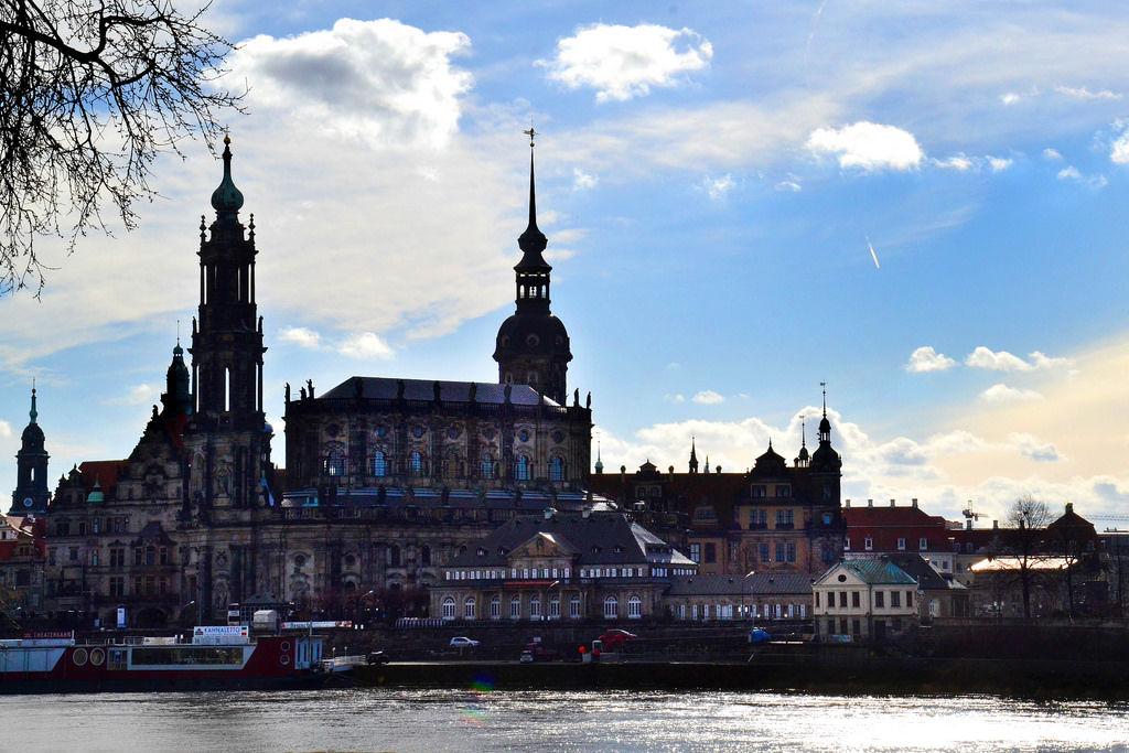 Altstadt auf der anderen Seite des Flusses