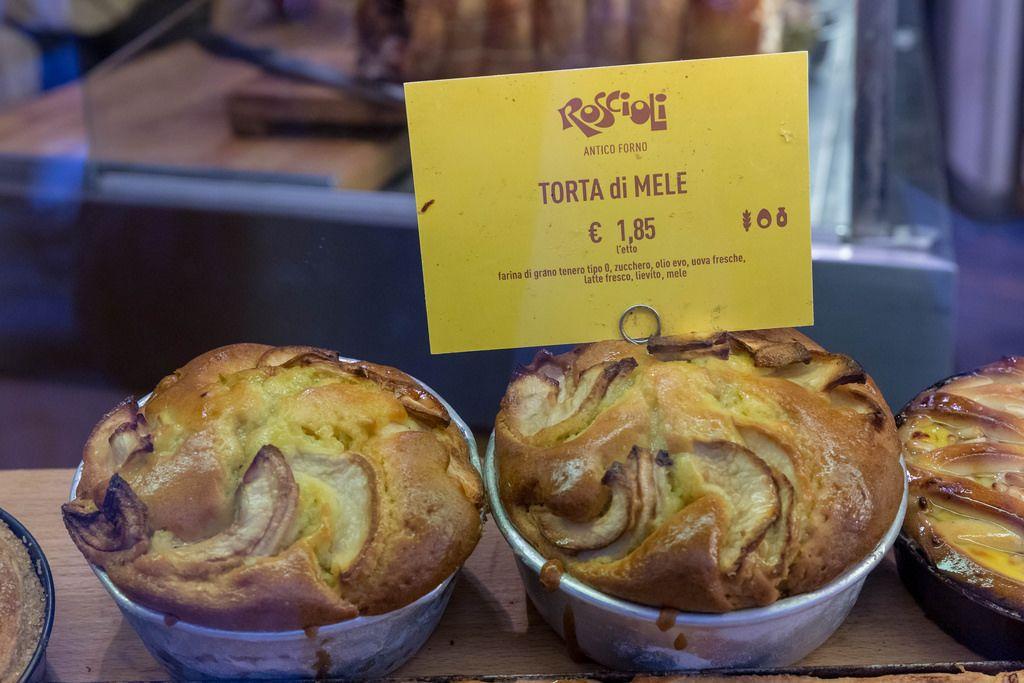 Apfelkuchen bei der Roscioli Bäckerei in Rom