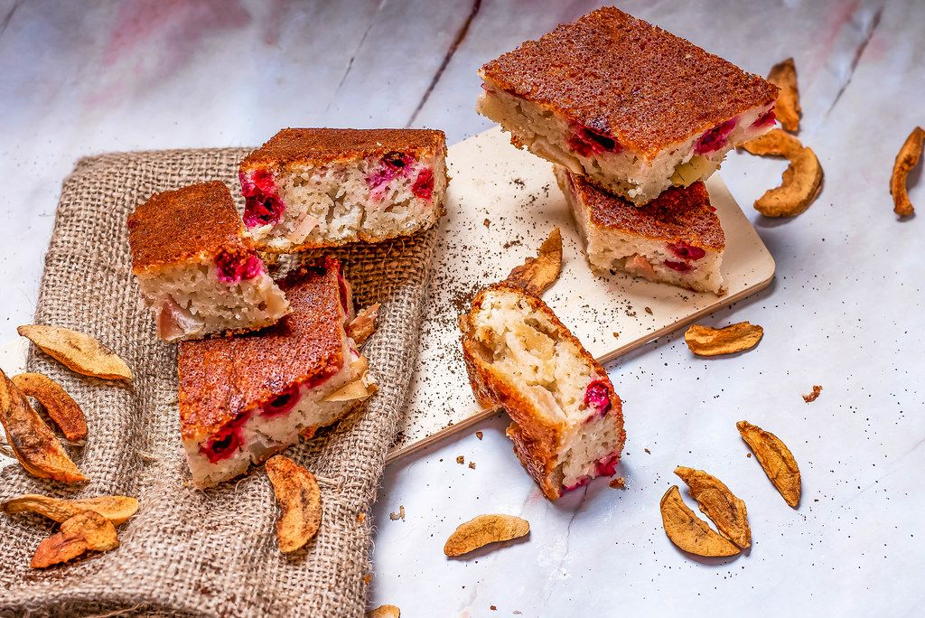 Apple cake With berries (Flip 2019)