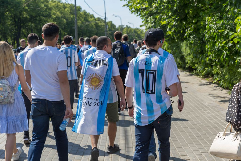 Argentinian soccer fans marching towards the stadium