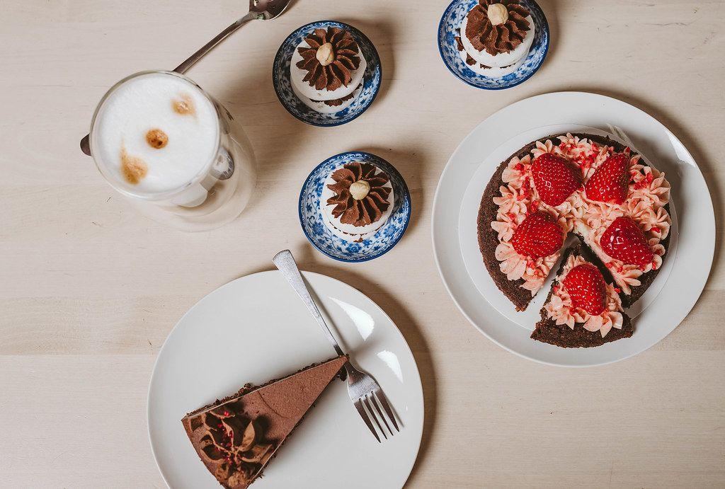 Asorti Of Chocolate, Strawberry Cakes (Flip 2019)