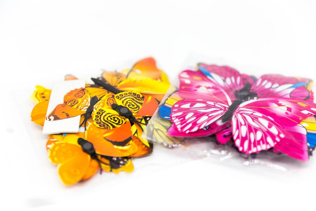 Aufkleber, Wandsticker und Wandtattoo mit Magnet in Form von Schmetterlingen