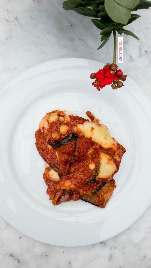 Auflauf mit Aubergine, Tomate und Käse