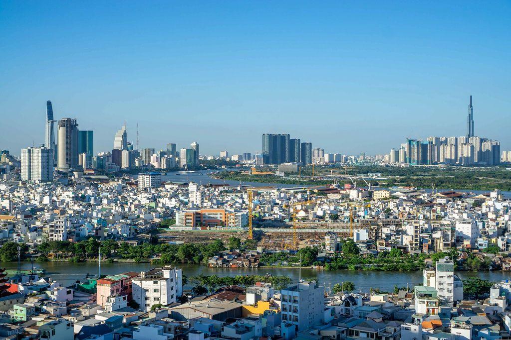 Aussichtspunkt mit Blick über die Millionenstadt Ho Chi Minh City im Süden von Vietnam