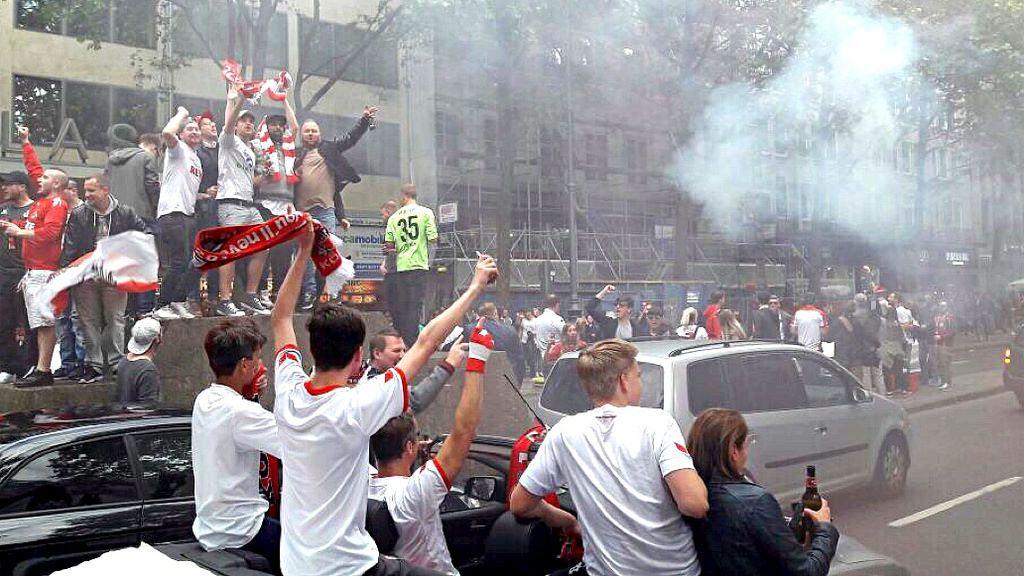 Autokorso auf den Kölner Ringen: Der 1. FC Köln spielt europäisch!!!