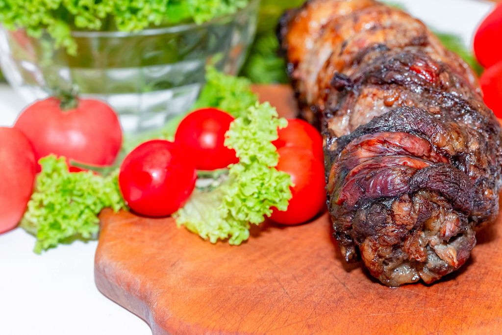 Baked meat with tomatoes and lettuce (Flip 2019) (Flip 2019) Flip 2019