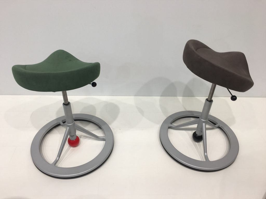 Balance Chairs / Moderne Bürostühle