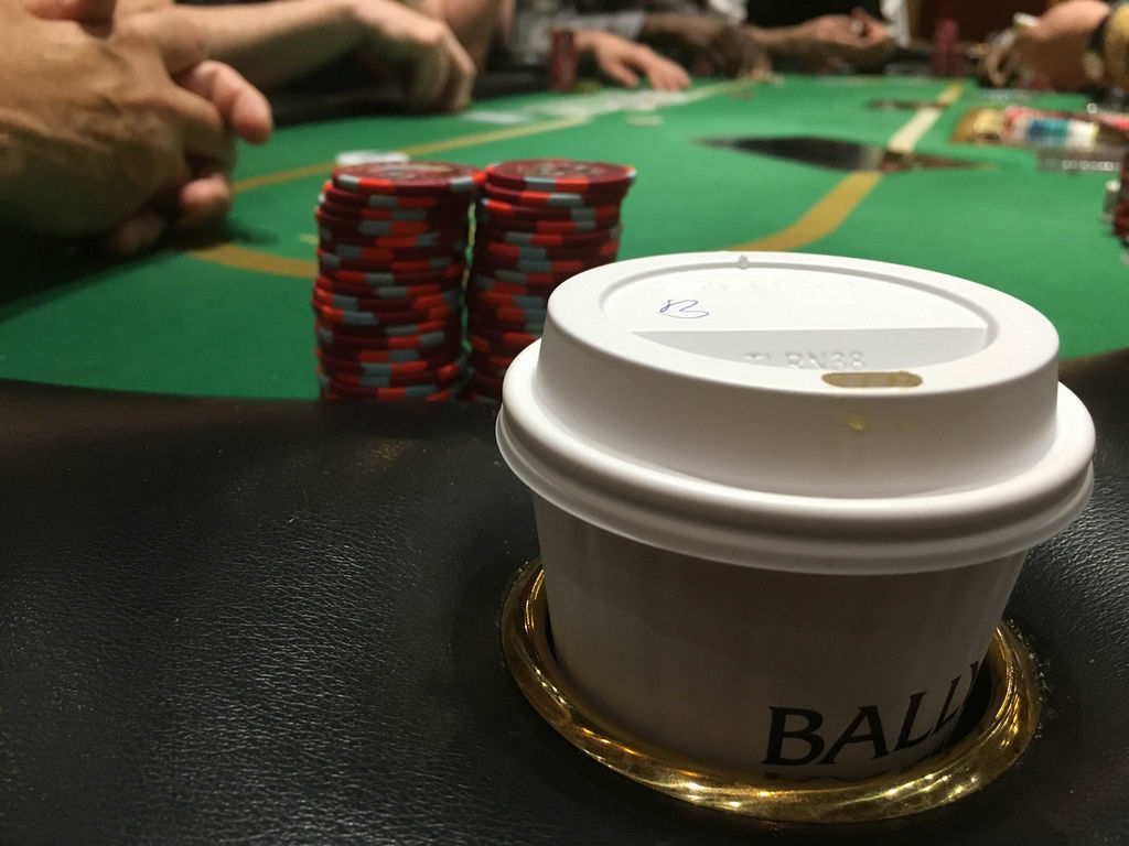 Bally's Casino: Poker Table