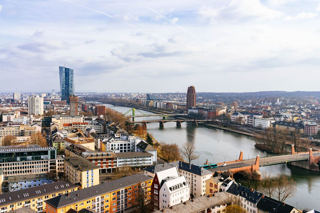 Birdview of Frankfurt on the river Main / Vogelschau von Frankfurt am Main