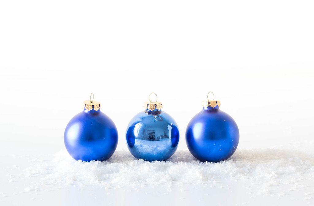 Blaue Weihnachtsbaumkugeln