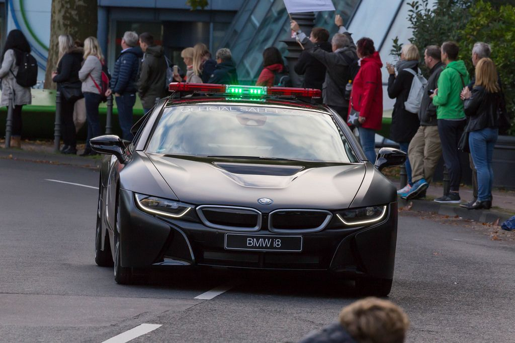 BMW i8 Official Safety Car - Cologne Marathon 2017
