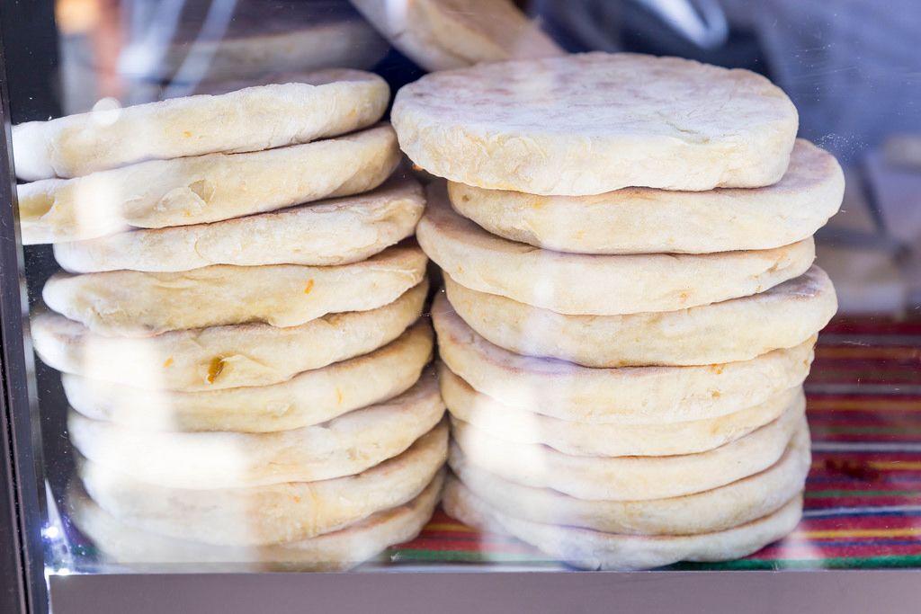 Bolo do Caco: Bread with Garlic