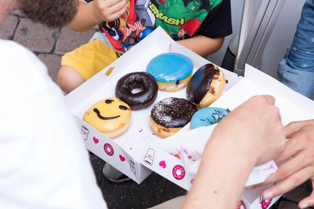 Box mit Donuts