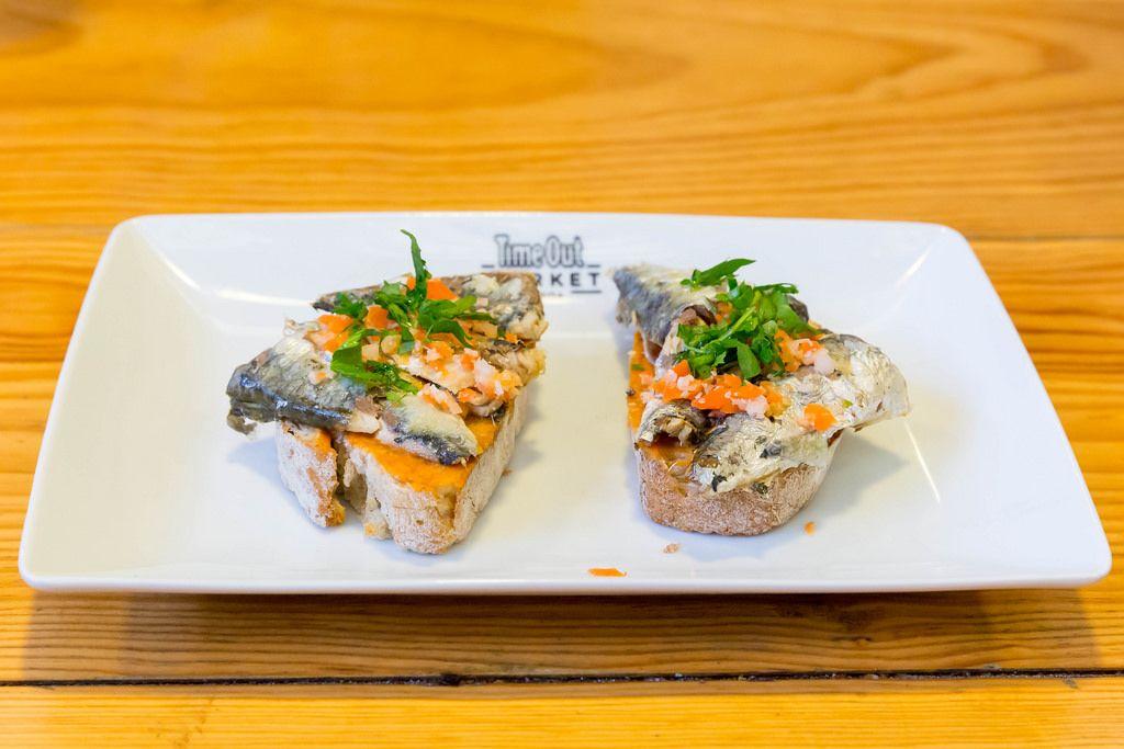 Brot mit Sardinen