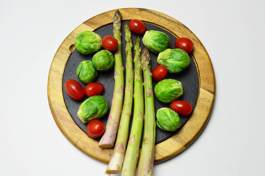 Brussels sprouts, cherry tomatoes and asparagus