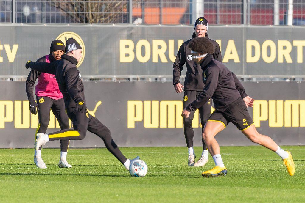 Bruun Larsen, Witsel, Akanji und Haaland im Einsatz beim Borussia Dortmund Training