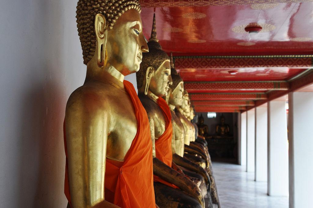 Budda Statuen im Tempel Wat Po