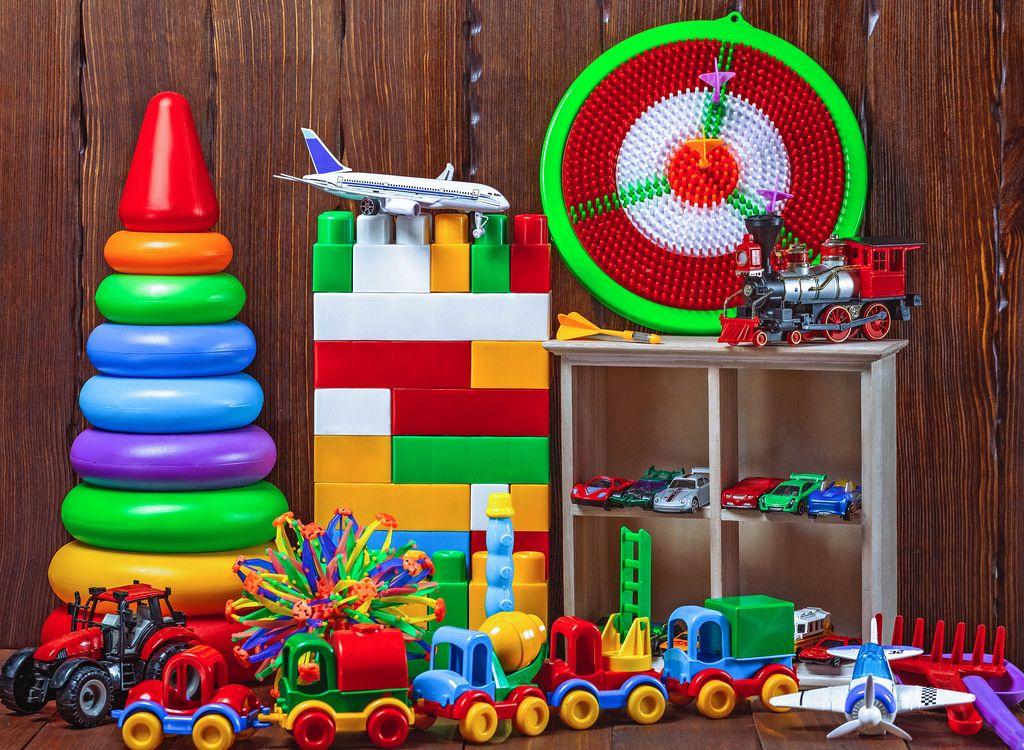 Bunte Kinderspielzeuge für Kleinkinder