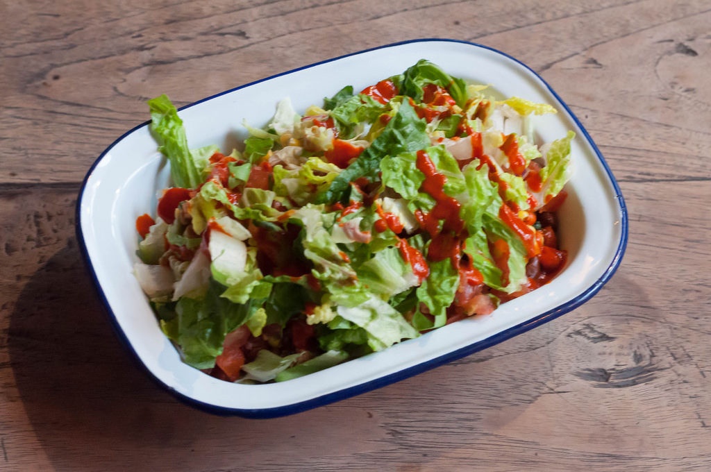 BurritoRico Fitness-Bowl mit Chicken, Guacamole und scharfer Soße