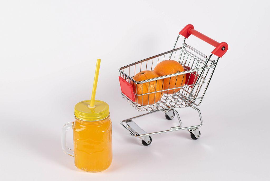 Buying healthy food (Flip 2019) (Flip 2019) Flip 2019
