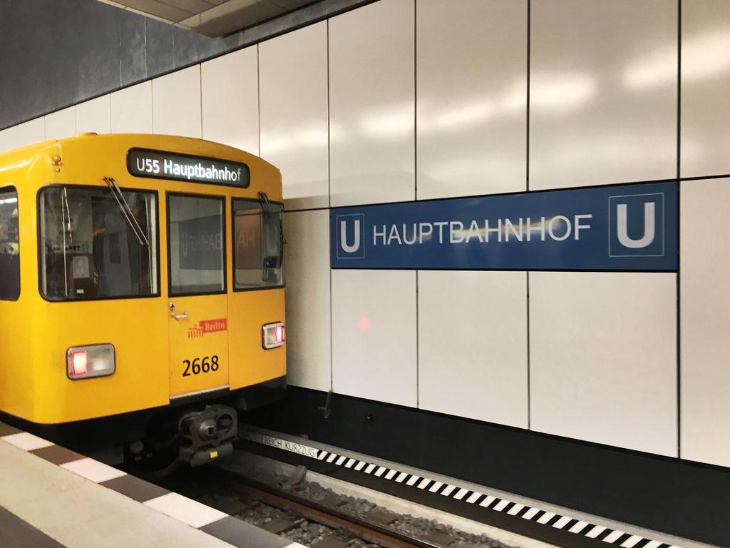BVG-Bahn Berlin Hauptbahnhof Linie U55