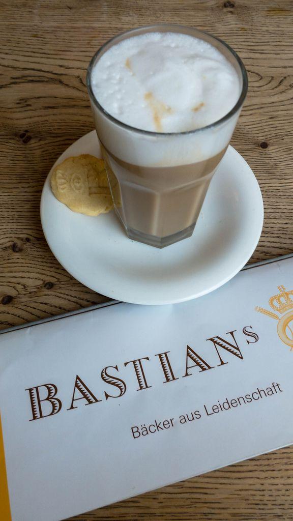 Caffè Latte bei Bastian's in Köln