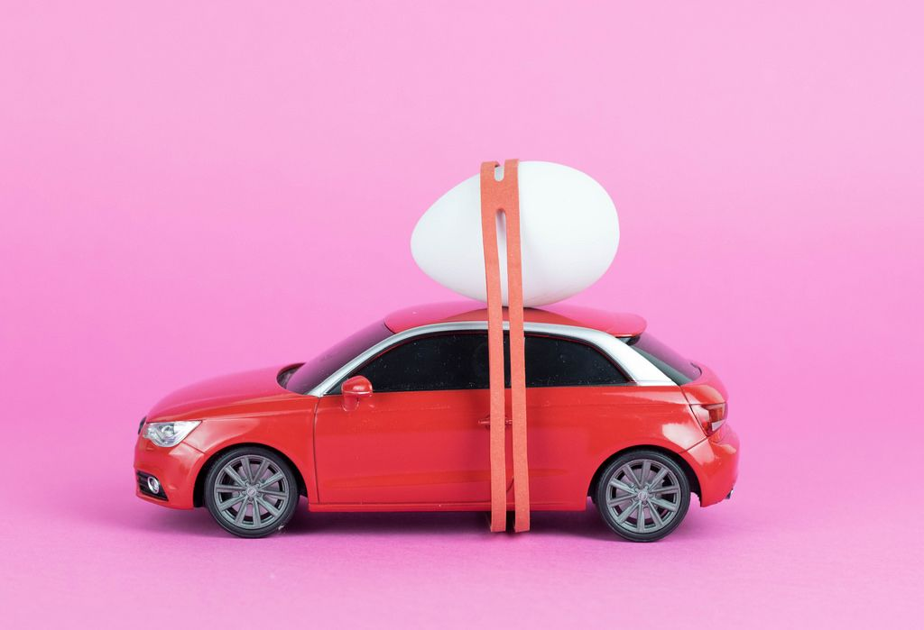 Car with easter egg on roof