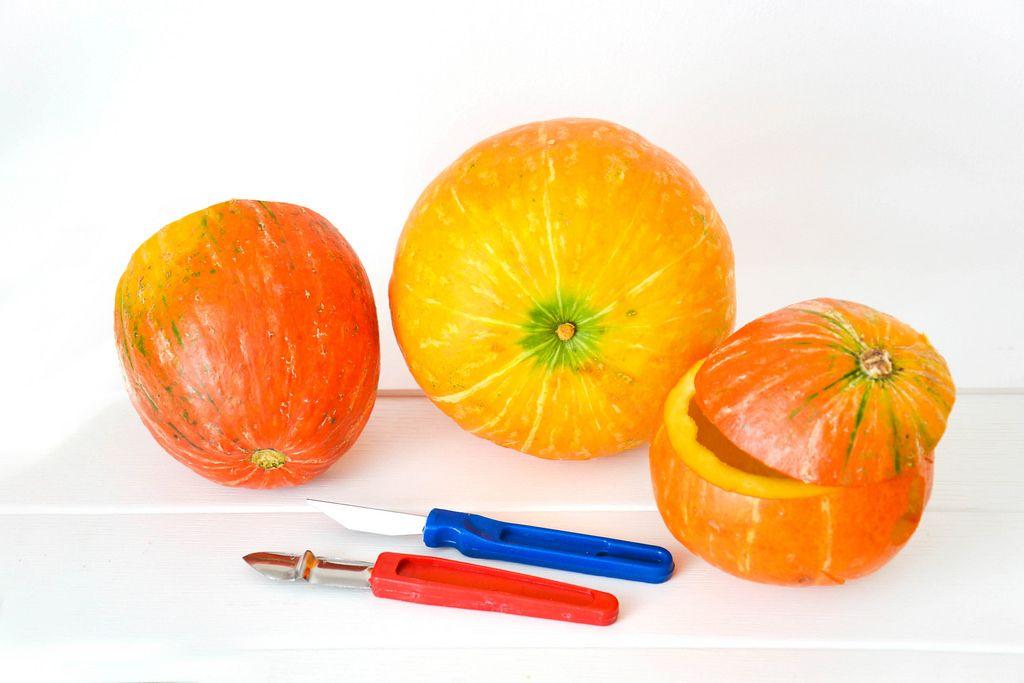 Carve Halloween Pumpkin