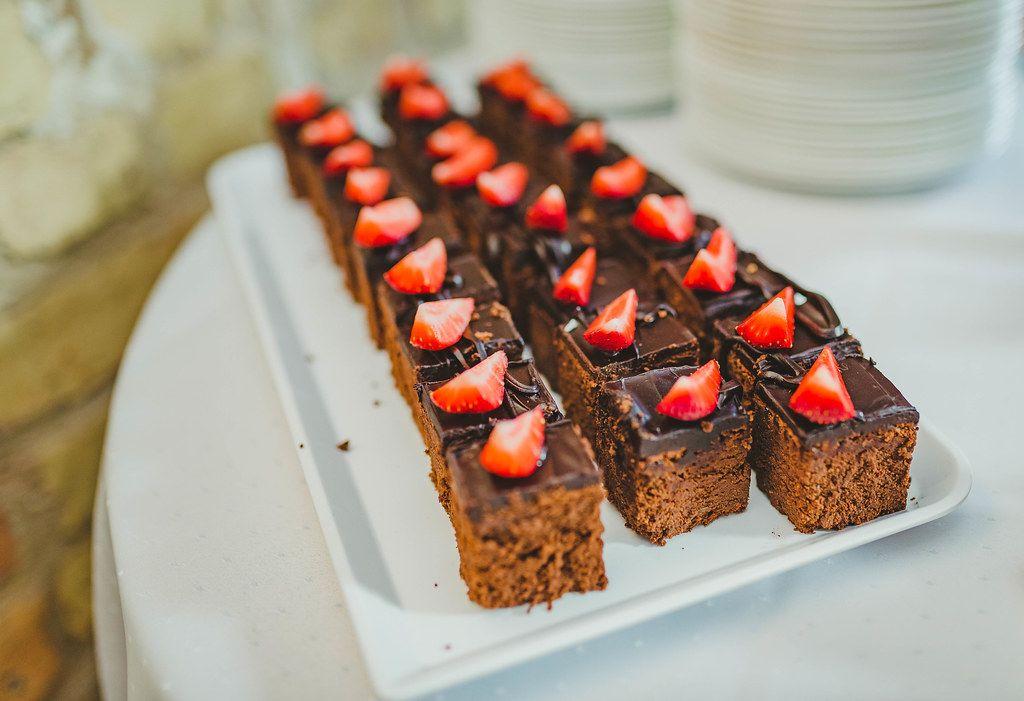Chocolate Cake With Strawberries (Flip 2019)
