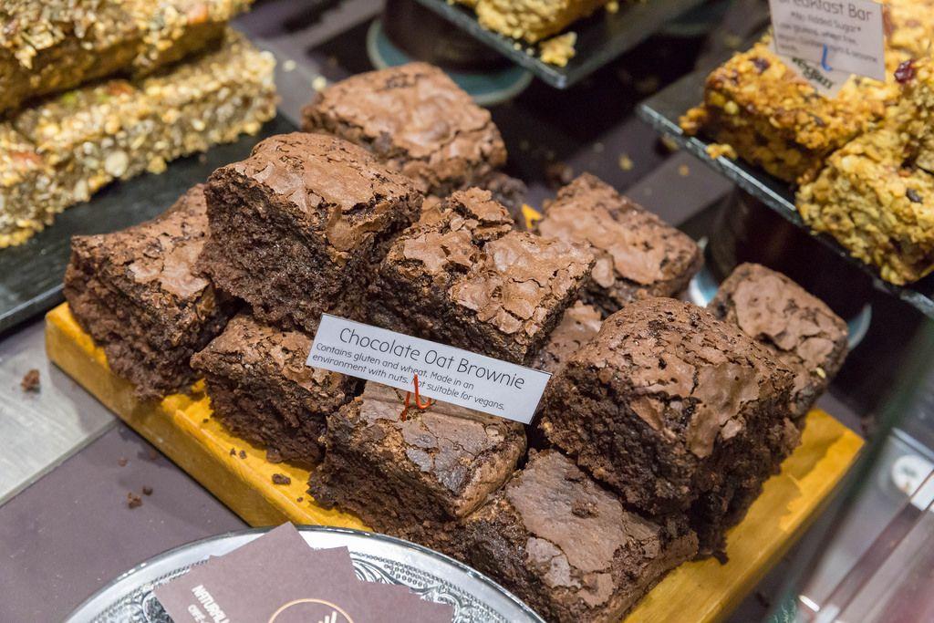 Chocolate Oat Brownies mit Gluten, Weizen und Nüssen. Nicht geeignet für Veganer