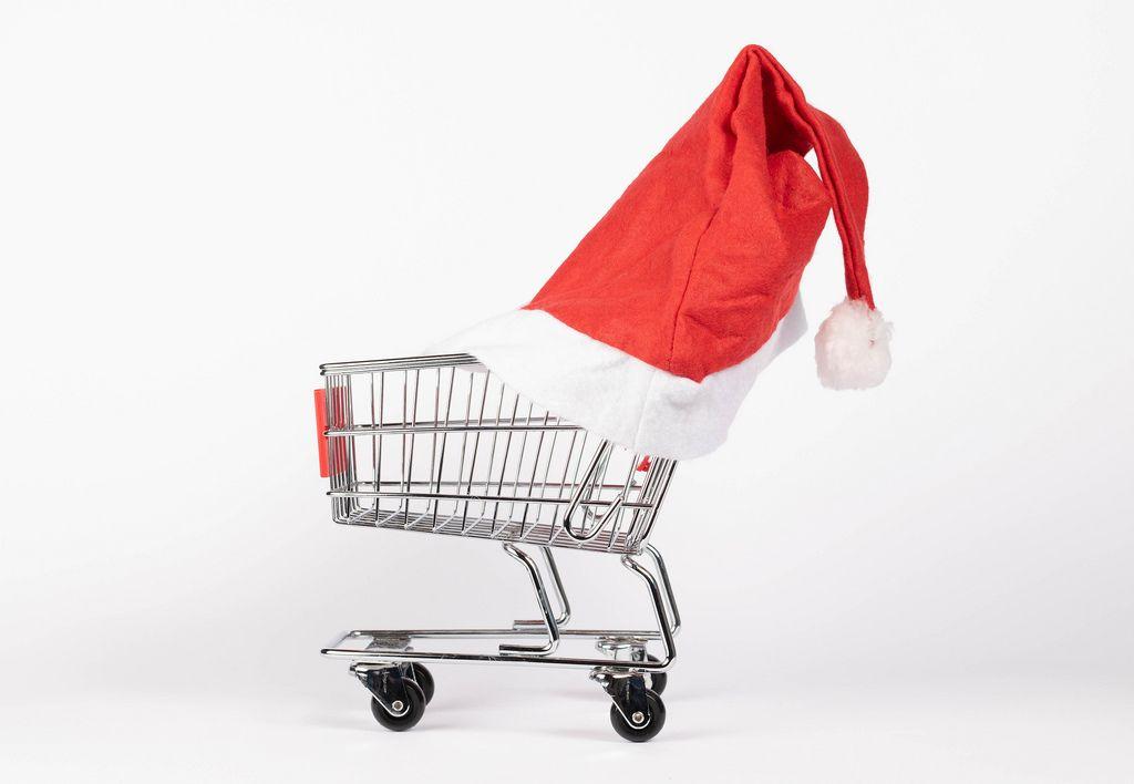 Christmas hat on shopping cart (Flip 2019) (Flip 2019) Flip 2019