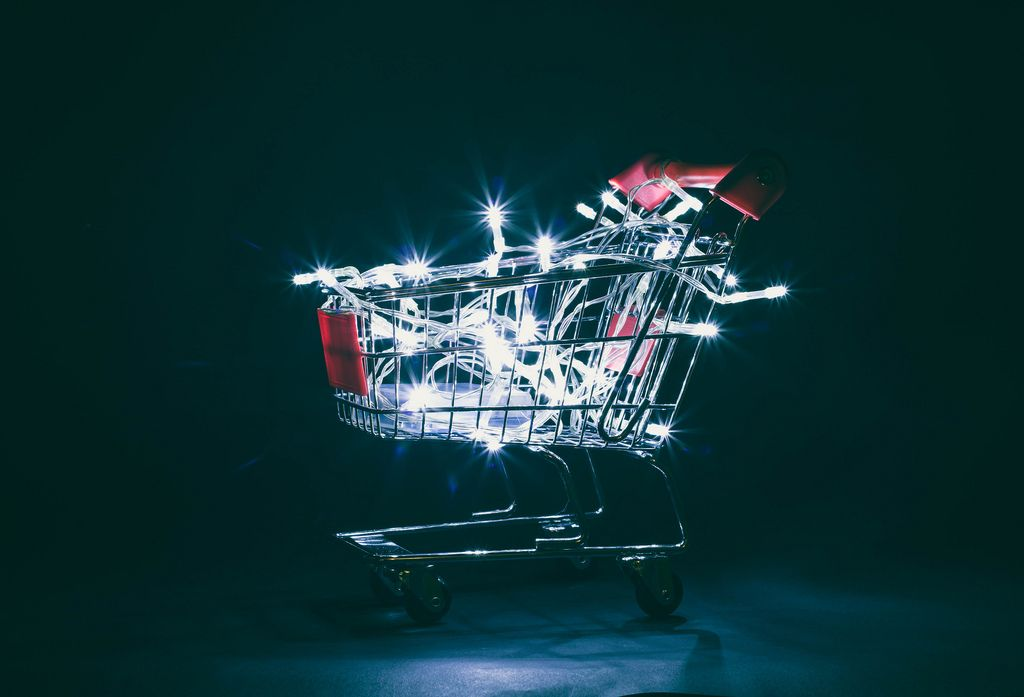 Christmas lights in shopping cart (Flip 2019) (Flip 2019) Flip 2019