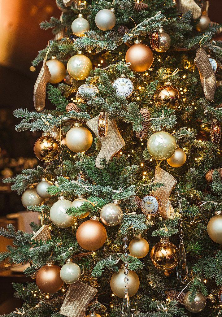 Christmas Tree With Golden Balls, Socks And Clocks (Flip 2019)