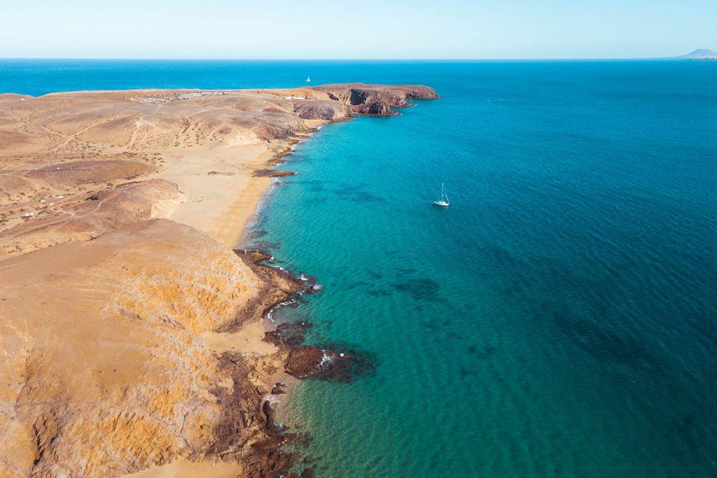 Coast line of Playo de Papagayo / Panorama von Strand Playa de Papagayo