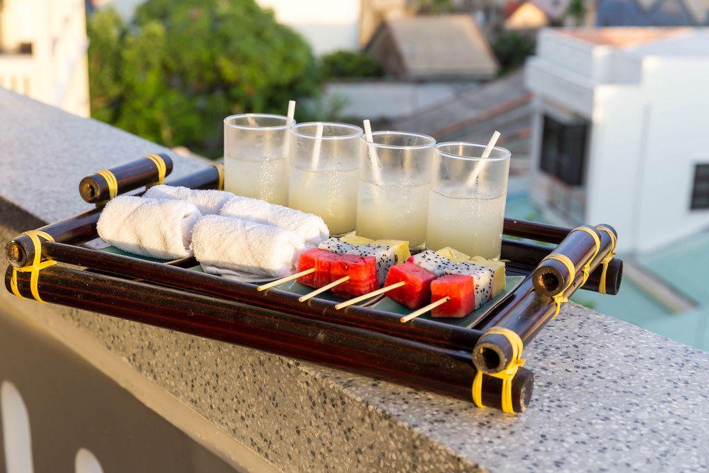 Cocktails und Obst