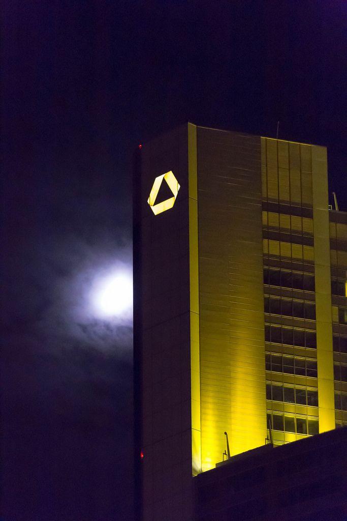 Commerzbank-Tower bei Nacht