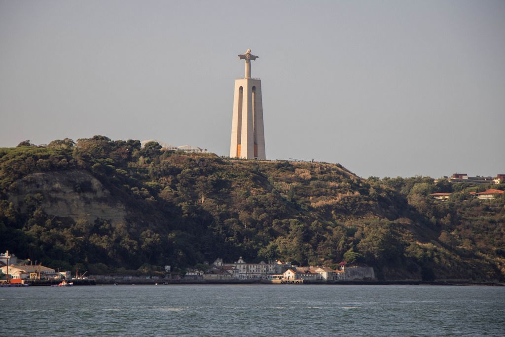 Cristo Rei and Tagus river