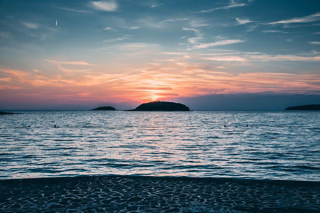 Croatia, Vrsar, Sunset over sea