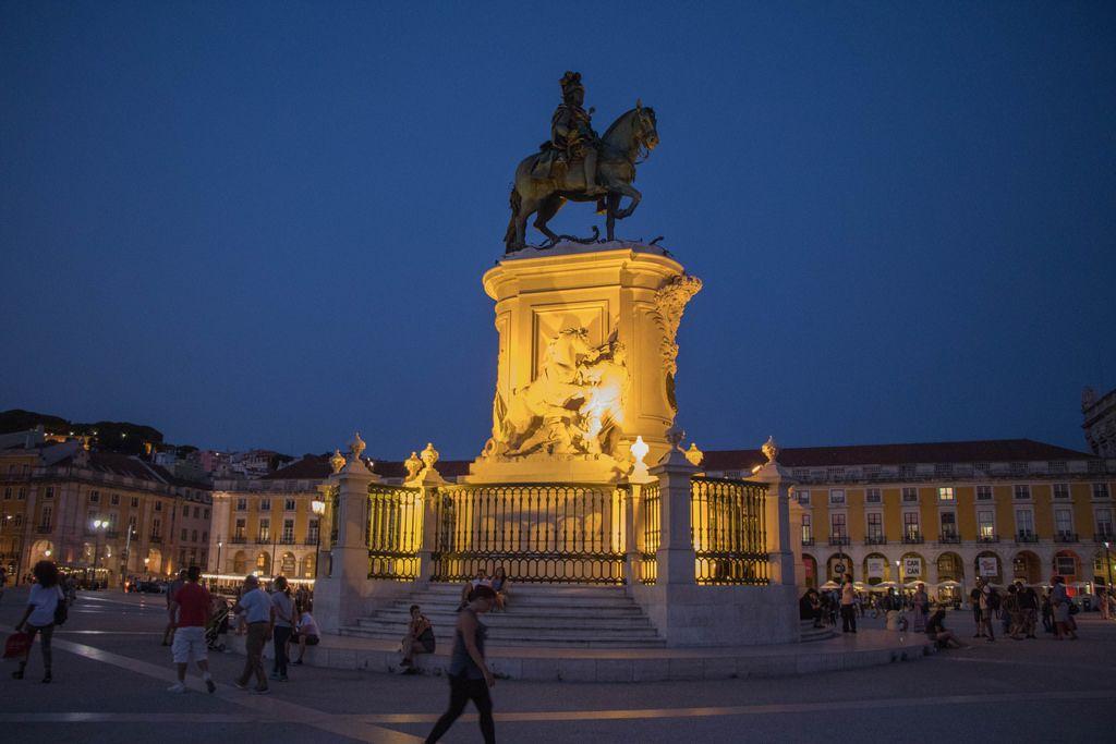 D. José I statue at Praça do Comércio