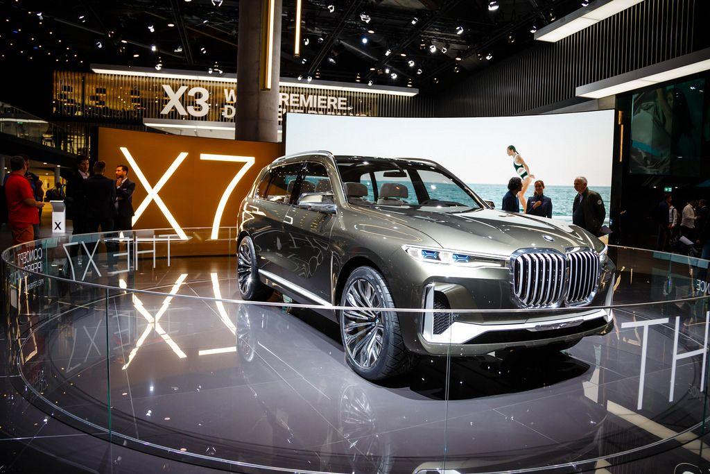 Das BMW X7 Konzept bei der IAA 2017 in Frankfurt am Main