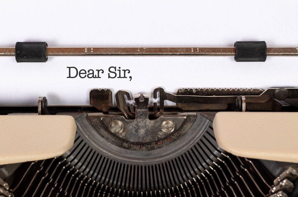Dear Sir, mit einer alten Schreibmaschine geschrieben